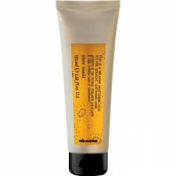 Разглаживающий увлажняющий флюид для стайлинга Davines More Inside Relaxing Moisturizing Fluid 125 ml